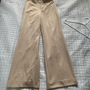 🆕 Pant size 2 NWT beige color